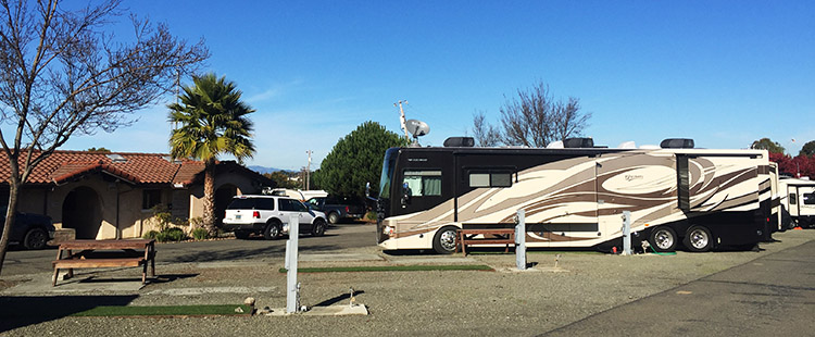 Review and Video of Tradewinds RV Park in Vallejo, near San Francisco. The office at Tradewinds RV Park, and one of the rigs