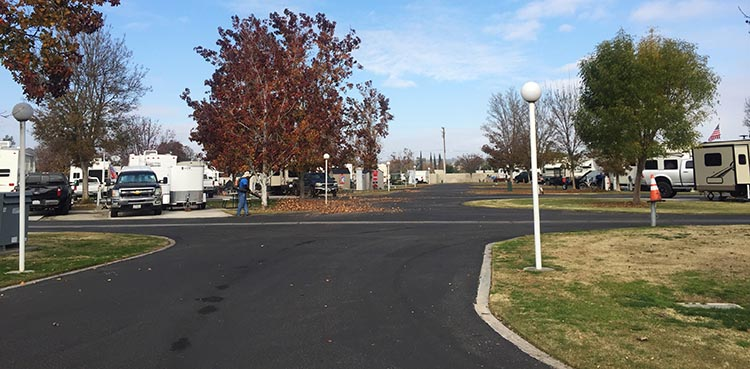 Review of A Country RV Park, Bakersfield, California. It is very easy to navigate the very wide roads in A Country RV Park. Also, the park is tidied up by gardeners every Monday