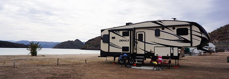 Day 5 of our RV Trip with Baja Winters: San Ignacio to Santispac Beach, Bahía de Concepción, Baja California Sur, Mexico. Here is our Denali fifth wheel on Santispac Beach