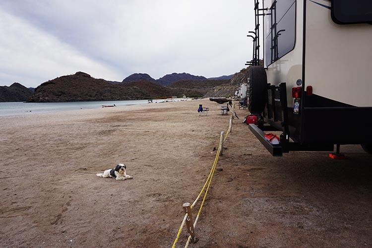 Day 5 of our RV Trip with Baja Winters: San Ignacio to Santispac Beach, Bahía de Concepción, Baja California Sur, Mexico. The rope shows you how close you can get to the beach