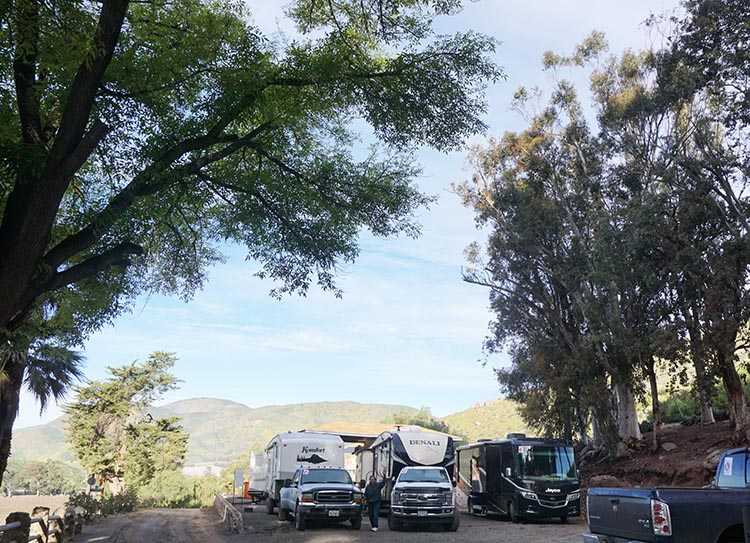 The three biggest rigs – Baja Nancy (Richard and Nancy), us, and Goliath (Joe and Kathy) – were crammed into a parking lot which was about the width of a basketball court. That's the narrow access road on the left