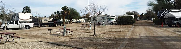 Here you can see the size of the sites at the Arizona Oasis RV Resort