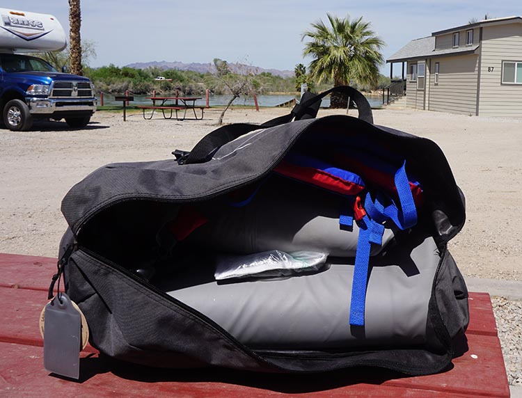 As you can see, we can fit the kayak, plus the pump and a lifejacket, in the Advanced Elements bag