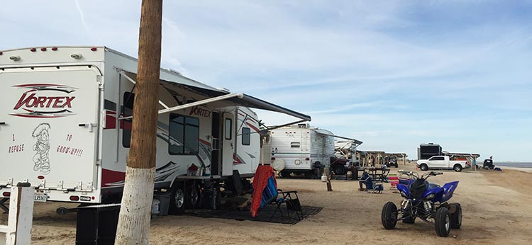 Here are rigs on the beach at Petes Camp