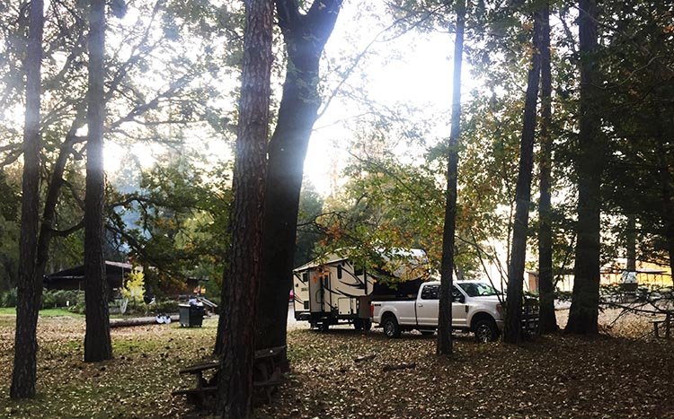 How to Get Free RV Camping with Harvest Hosts. At Laurel Hill Golf course (Central Point, Oregon, near Grants Pass), we park under oak trees and the dogs can explore a little thicket of oak trees without disturbing anyone
