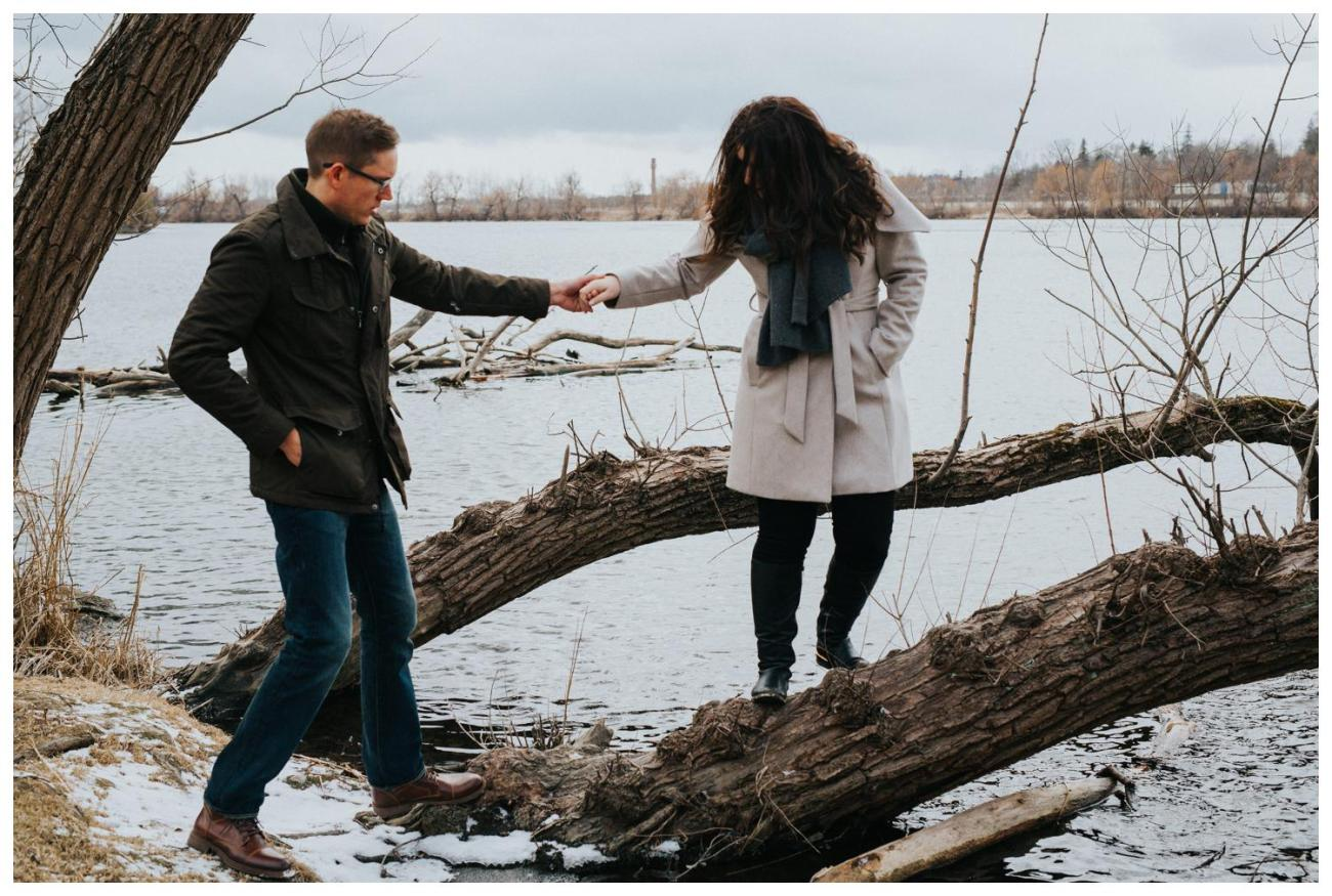 Hold my hand and never let go | Waterfront Engagement | Cambridge Winter Engagement