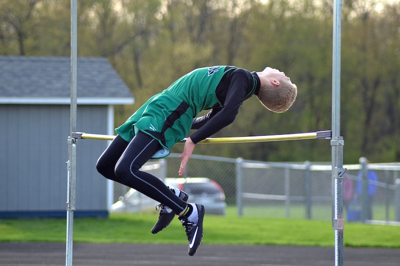 Centreville and Mendon track teams have impressive performances at the Comstock Invite