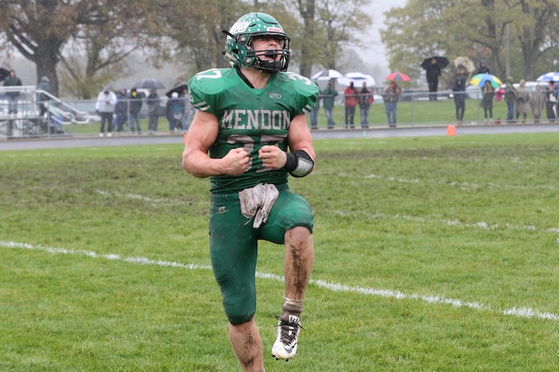 Video: Mendon football team knocks off No. 1 Muskegon Catholic Central for Division 8 district championship