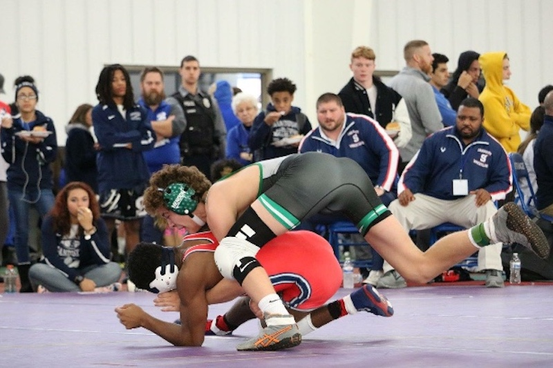 Mendon wrestling gains experience at Tri-State Border War and duals at Lakeshore