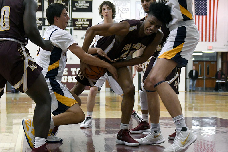 KCentral Hoops 0307_08