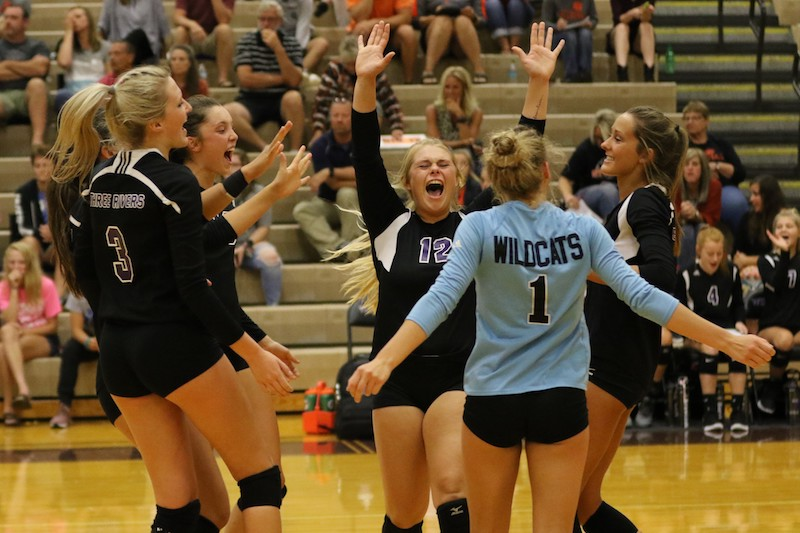 Volleyball Video/Gallery: Sturgis vs. Three Rivers