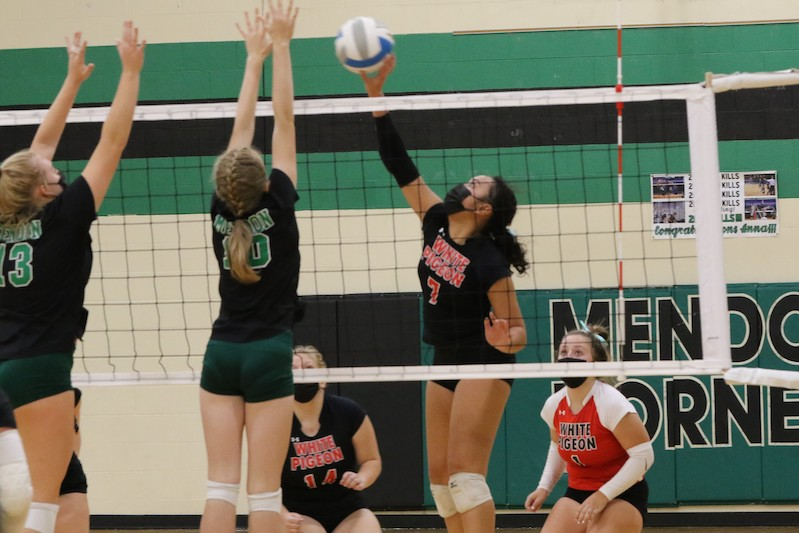Volleyball: White Pigeon sweeps River Valley