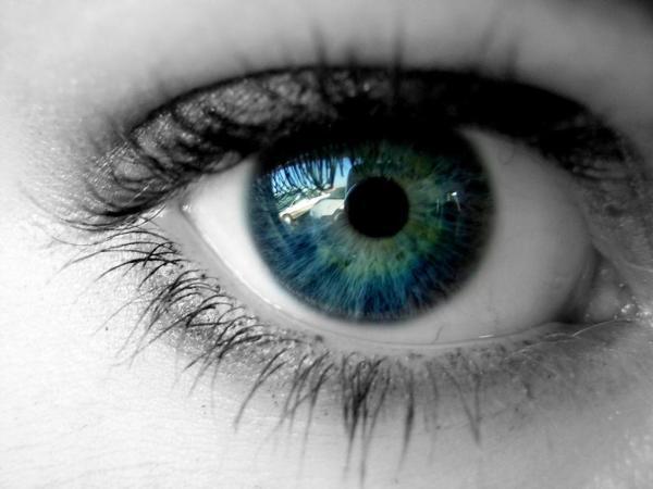 beautiful_girl_eyes_wallpaper_hd-1024x768