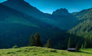 house-in-the-mountains-17157-1920x1080