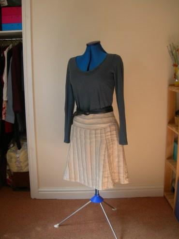 stripe linen skirt & navy ls tee & navy belt