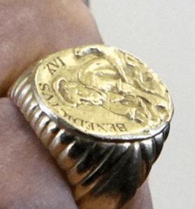 Papal ring