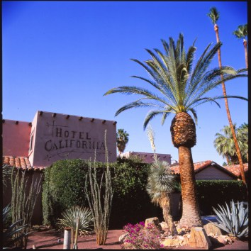 palmsprings-hotelcalifornia-photography-art-landscape-film-joe-segre-sugar-velvia
