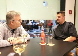 Steve Dumke (rechts) im Gespräch