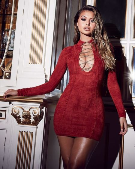 Red Suede Frontal Lace Dress €41,81