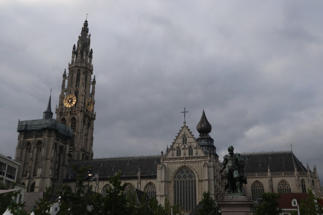 Belgium's finest Gothic cathedral, Our Onze Lieve VrouwenKathedral, was 169 years in the making (1352–1521).