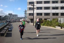 The busy walkway behind Te Papa in the last 3 kms.