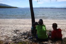 Lunch at one of the small beaches of Lake Te Anau. That's the life!