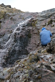 We were looking at this waterfall very far from the tent, before drifting towards it with book, pen, tripod, lenses, cameras etc.