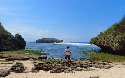 Menikmati Wisata Pantai Sadranan Gunung Kidul yang Eksotis