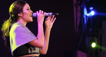 Raisa dan Kunto Aji Meriahkan Konser Music Econite 'Dreams to Happines' BEM FEB UMY