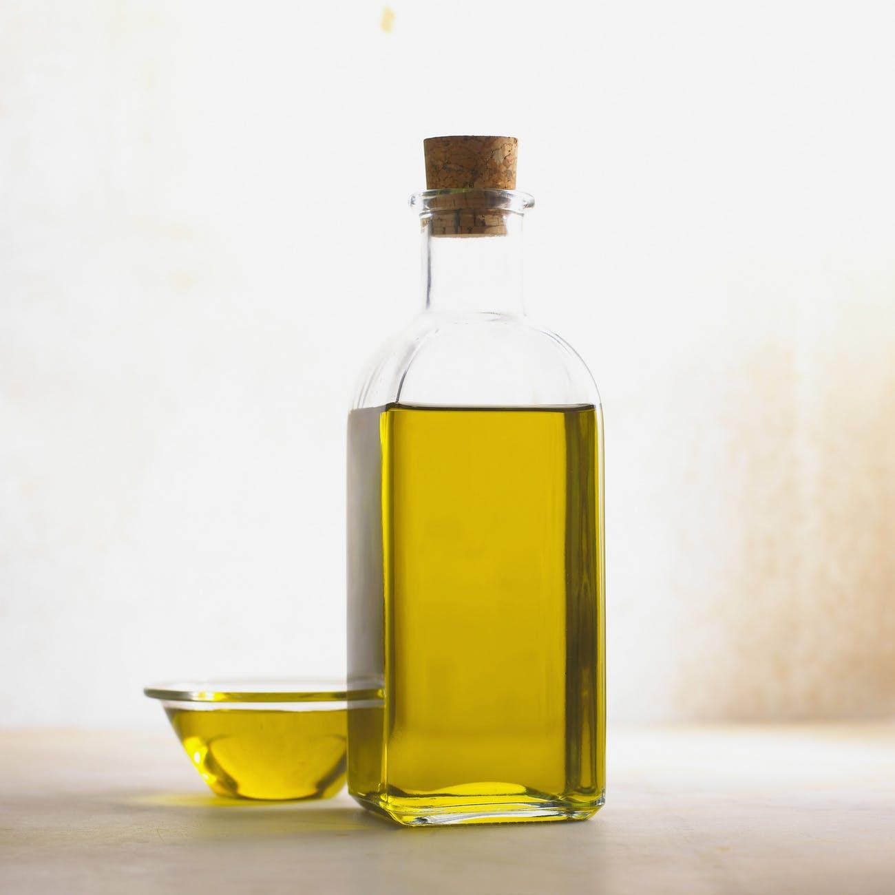 Atasi Telinga Gatal Dengan Baby Oil ??