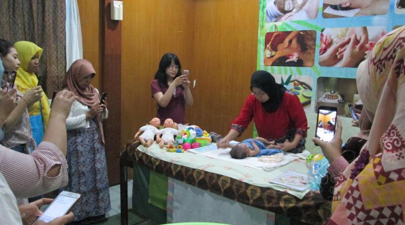 Pelaksanaan pelatihan mom spa, kids spa, baby spa bulan Januari 2017