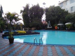 hotel new saphir yogyakarta kolam renang anak