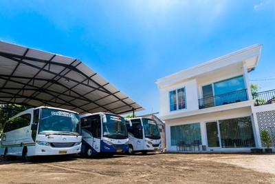 Kantor dan bus dari Jogja Rafira Indonesia