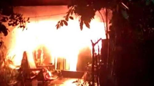 120219kebakaran rumah surabaya
