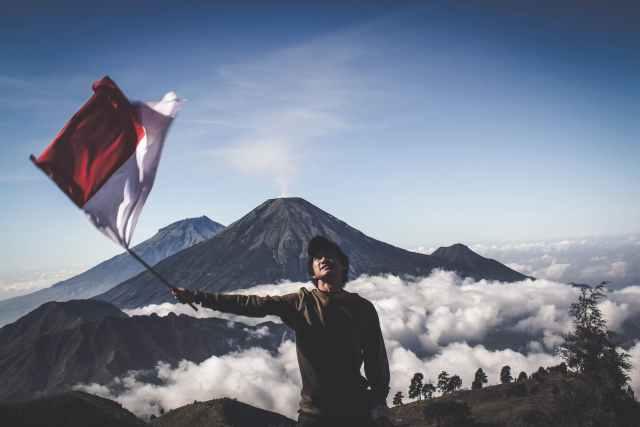bendera indonesia pexels photo 1009949