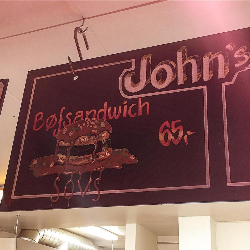 gravy burger at johns hotdog deli