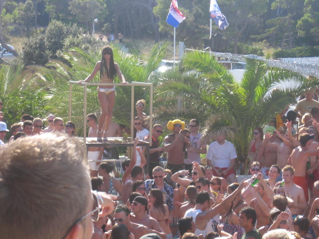 The Ibiza of Croatia - Plaza Zersie