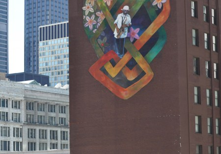 8-Chicago-Loop-bottom-detail