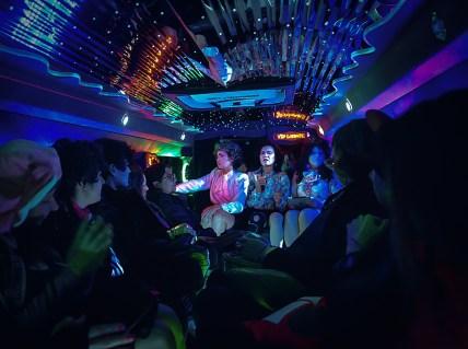 9 limo-manang-inside
