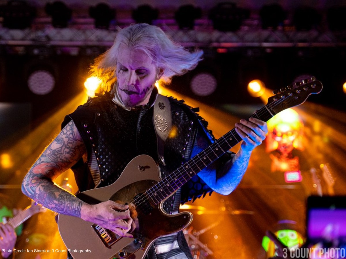 John 5 photo by Ian Storck at 3 Count Photography