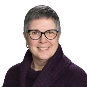 Leah Curtis, Accountant