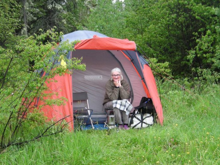 Cooking in the rain, north end of portage around Nistowiak Falls
