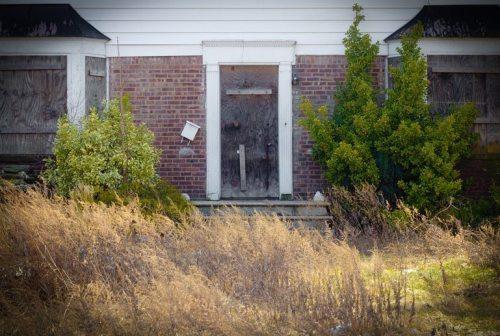 Shutterstock+abandoned+house