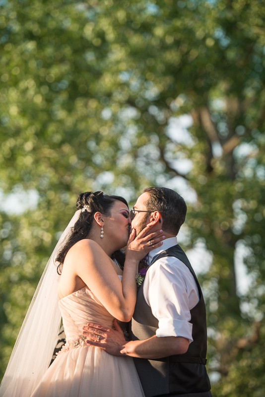 Denver Wedding Photographer Hudson Gardens kiss