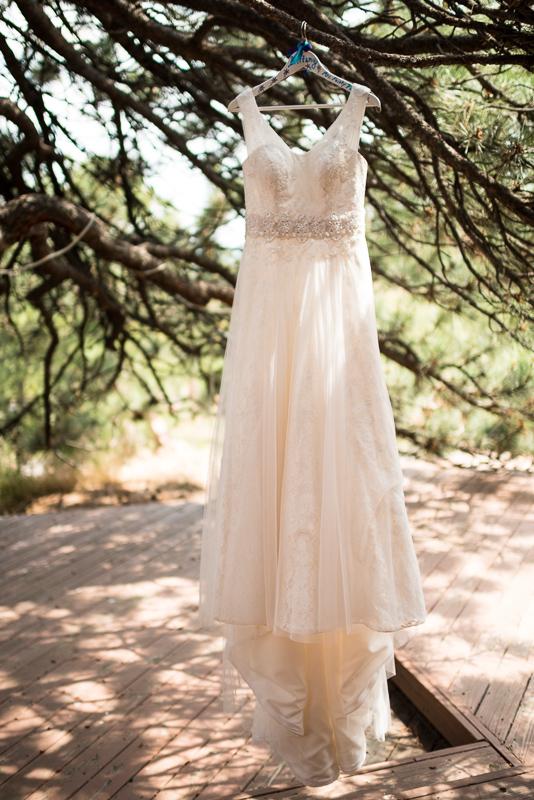 Golden Wedding Photographer wedding dress