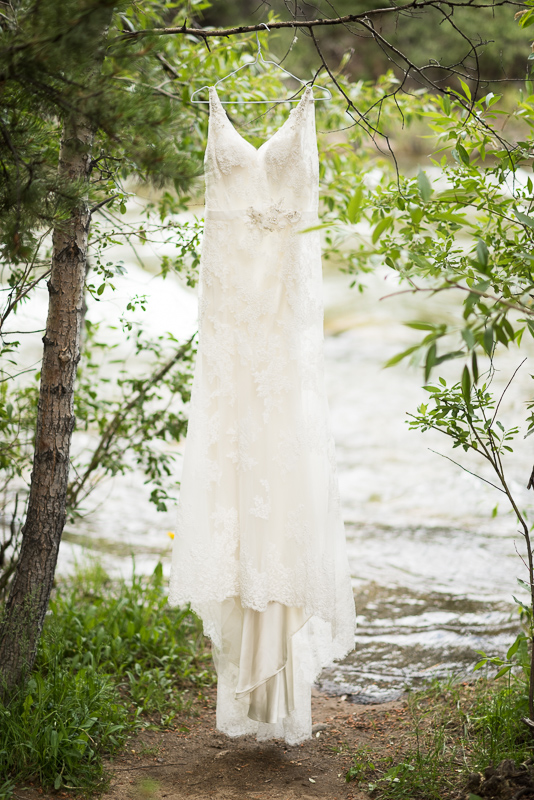 Silverthorne Wedding Photographer wedding dress