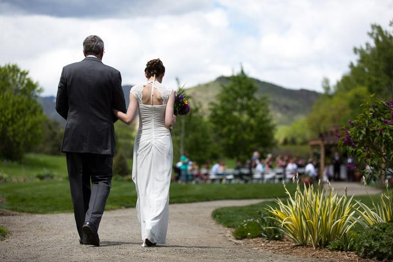 chatfield botanic gardens wedding photography walking to ceremony