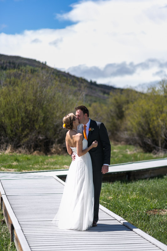 steamboat springs wedding photography first look kiss