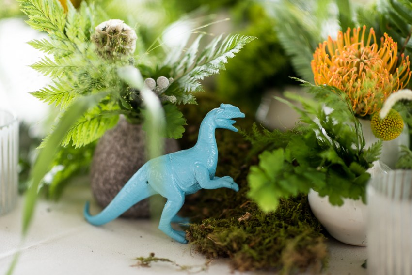 morrison willow ridge manor wedding photographer dinosaur centerpieces