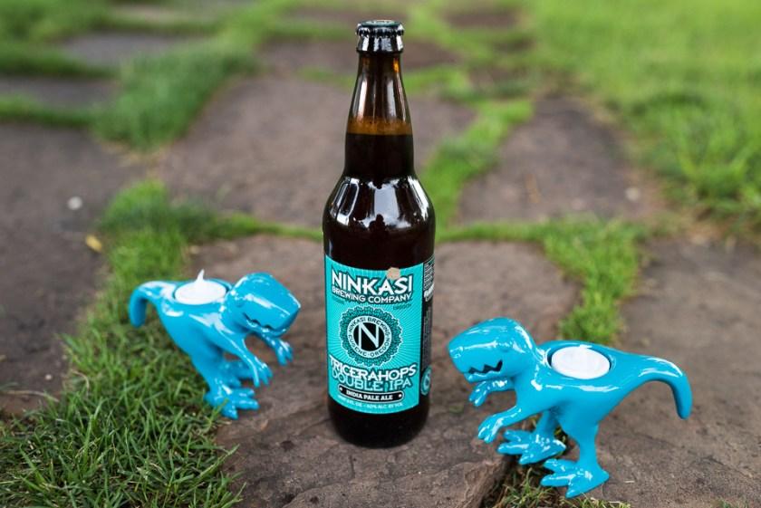 morrison willow ridge manor wedding photographer dinosaur beer